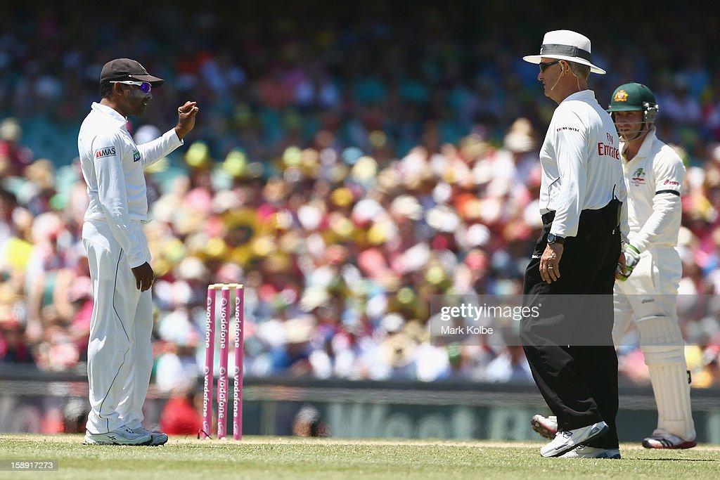 Mahela Jayawardene of Sri Lanka speaks to umpire Tony Hill during day two of the Third Test match between Australia and Sri Lanka at Sydney Cricket Ground on January 4, 2013 in Sydney, Australia.