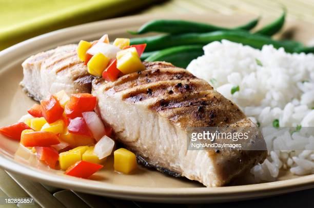 Mahi-Mahi-Fisch mit Frucht-Salsa