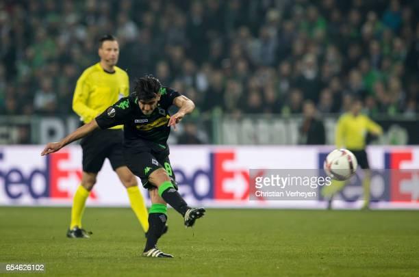 Mahmoud Dahoud of Borussia Moenchengladbach scores his teams second goal during the UEFA Europa League match between Borussia Moenchengladbach and FC...