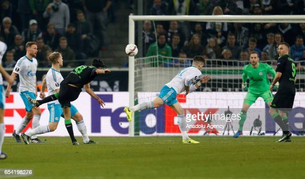 Mahmoud Dahoud of Moenchengladbach scores a goal during the UEFA Europa League round of 16 soccer match between Borussia Moenchengladbach and FC...