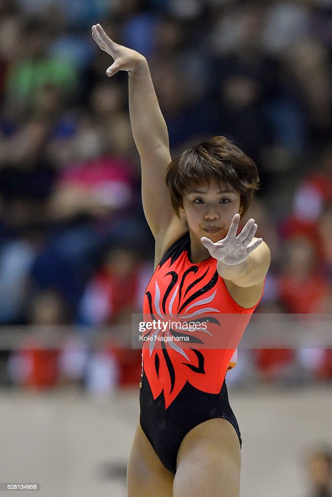 <a gi-track='captionPersonalityLinkClicked' href=/galleries/search?phrase=Mai+Murakami&family=editorial&specificpeople=10917957 ng-click='$event.stopPropagation()'>Mai Murakami</a> competes in the Floor Exercise during the Artistic Gymnastics NHK Trophy at Yoyogi National Gymnasium on May 4, 2016 in Tokyo, Japan.