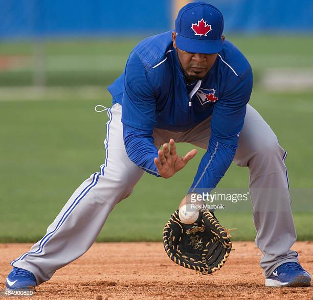DUNEDIN MARCH 1 Maicer Izturis fields a grounder The Jays continue to prepare for the upcoming season with a day of light workouts at Bobby Mattick...