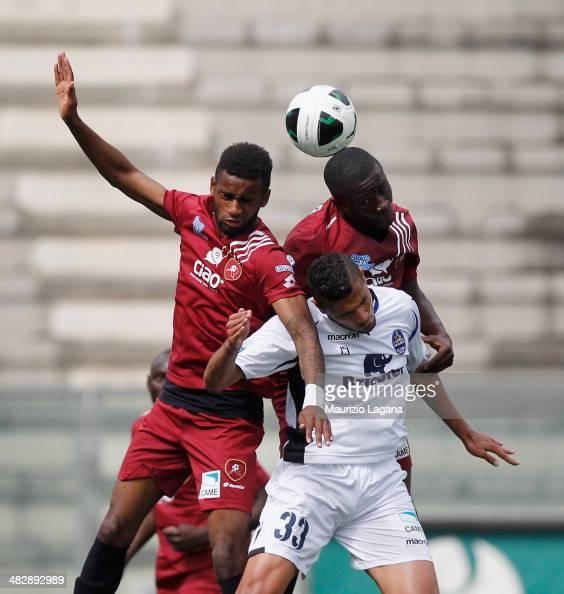 Maicon Da Silva and Rodney Strasser of Reggina compete for the ball with Jonathas of Latina during the Serie B match between Reggina Calcio and US...