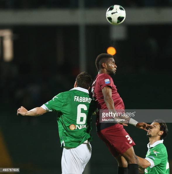 Maicon Da Silva of Reggina competes for the ball in air with Alessandro Fabbro of Avellino during the Serie B match between US Avellino and Reggina...