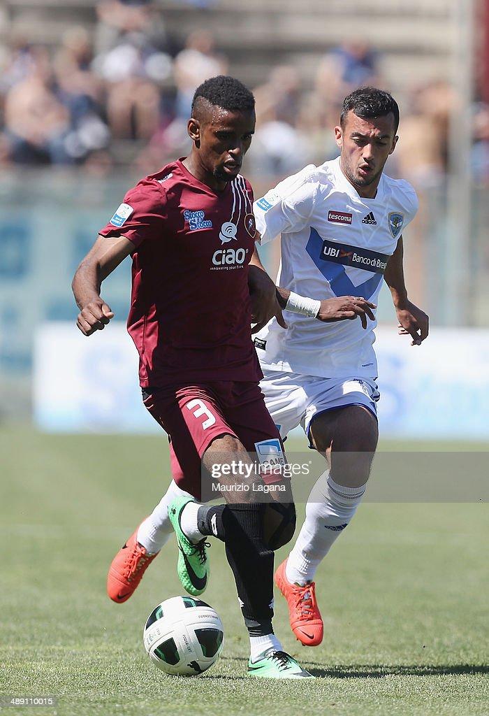 Maicon Da Silva (L) of Reggina competes for the ball with Ahmad Benali of Brescia during the Serie A match between Reggina Calcio and Brescia Calcio on May 10, 2014 in Reggio Calabria, Italy.