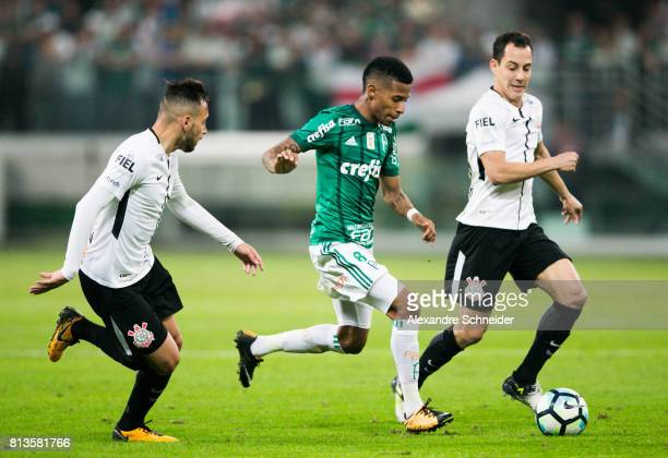 Maicon of Corinthians Tche Tche of Palmeiras and Rodriguinho of Corinthians in action during the match between Palmeiras and Corinthians for the...