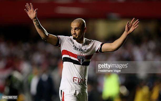 Maicon of Sao Paulo walks of dejected during semifinal first leg match of Copa Bridgestone Libertadores between Sao Paulo and Atletico Nacional at...