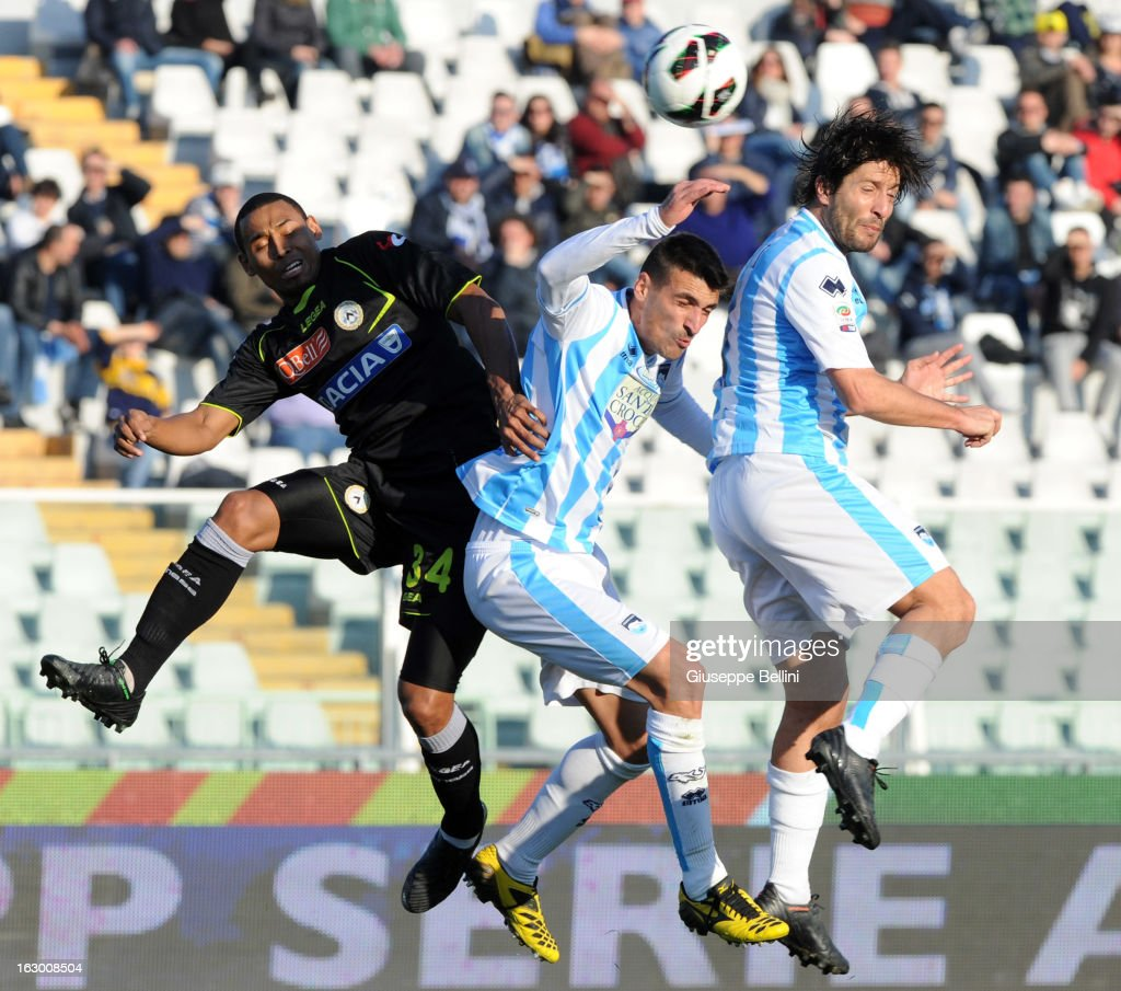 Maicosuel of Udinese and Antonio Bocchetti and <a gi-track='captionPersonalityLinkClicked' href=/galleries/search?phrase=Giuseppe+Sculli&family=editorial&specificpeople=727546 ng-click='$event.stopPropagation()'>Giuseppe Sculli</a> of Pescara in action during the Serie A match between Pescara and Udinese Calcio at Adriatico Stadium on March 3, 2013 in Pescara, Italy.