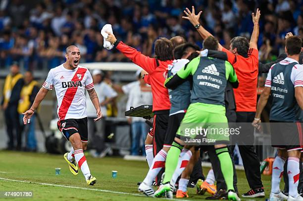 Maidana of River Plate celebrates a scored goal against Cruzeiro during a match between Cruzeiro and River Plate as part of Copa Bridgestone...