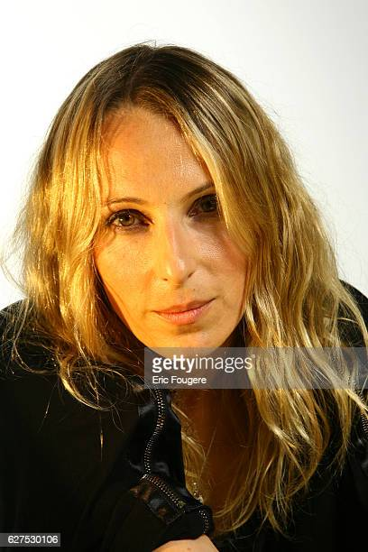 Maidi Roth on the set of TV show 'Quotidien France'