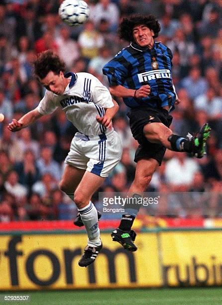 Mailand 210597 INTER MAILAND SCHALKE 04 nE 24 Marco KURZ/Ivan ZAMORANO