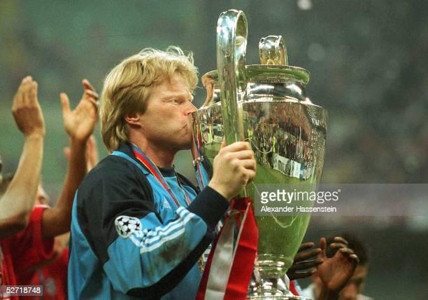 LEAGUE 00/01 FINALE Mailand FC BAYERN MUENCHEN FC VALENCIA 65 nE TORWART Oliver KAHN/BAYERN