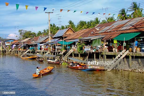Main canal Amphawa floating market