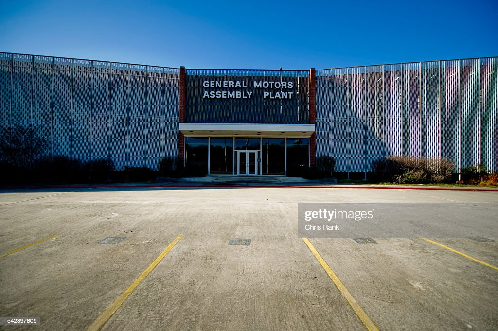 Main entrance of a recently closed general motors assembly for General motors assembly plant