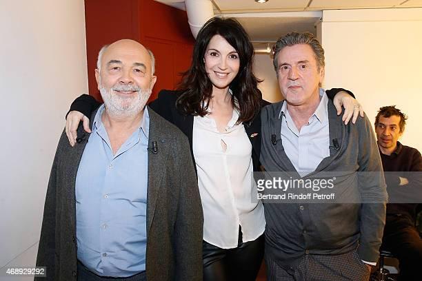Main guest of the show actor Gerard Jugnot actress Zabou Breitman actors Daniel Auteuil and Eric Elmosnino attend the 'Vivement Dimanche' French TV...