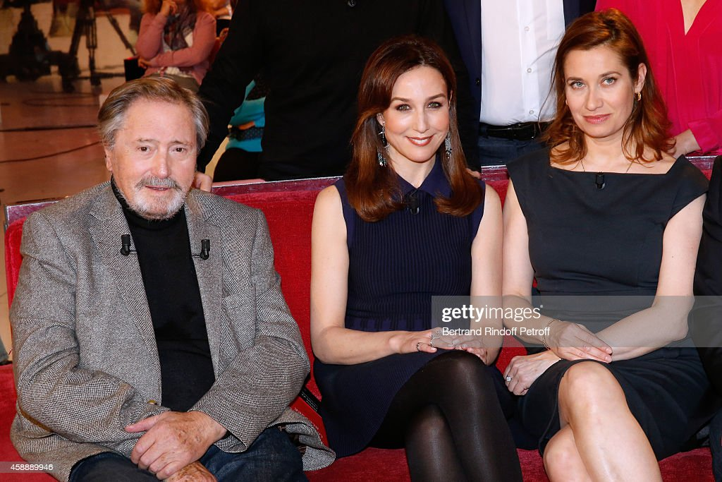 Main Guest of the show, actor Victor Lanoux, actresses Elsa Zylberstein and Emmanuelle Devos attend the 'Vivement Dimanche' French TV Show at Pavillon Gabriel on November 12, 2014 in Paris, France.