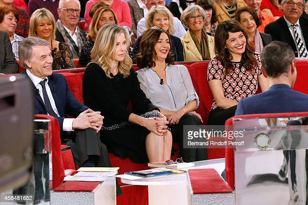 Main Guest of the show Singer Adamo presents his album 'Adamo chante Becaud' actresses Pascale Arbillot Valerie Karsenti and Anne Charrier present...