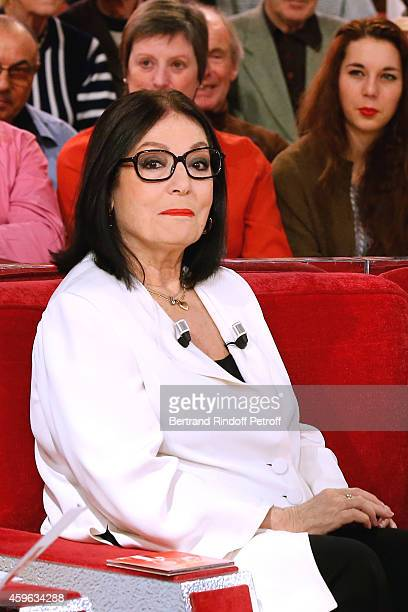 Main guest of the show singer Nana Mouskouri presents her 'Happy birthday tour' during the 'Vivement Dimanche' French TV Show at Pavillon Gabriel on...