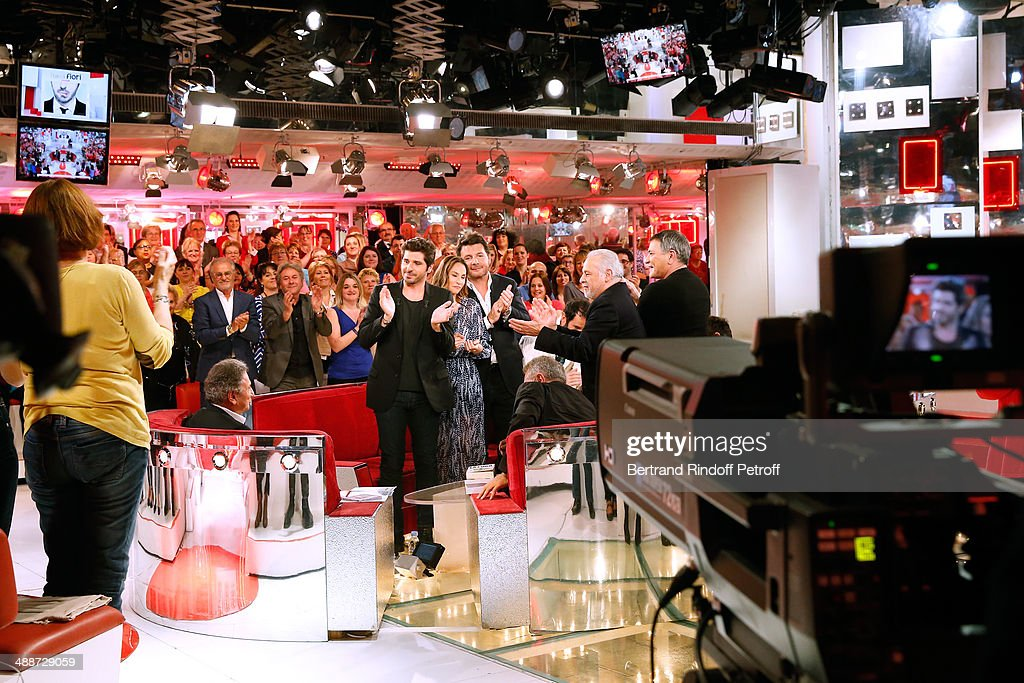 Main guest of the show singer Patrick Fiori, Vanessa Demouy, her husband Philippe Lellouche, Francis Perrin and Jean-Marie Bigard applause Michel Drucker whyle the 'Vivement Dimanche' French TV Show, held at Pavillon Gabriel on May 14, 2014 in Paris, France.