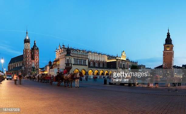 La plaza del mercado de Cracovia principal