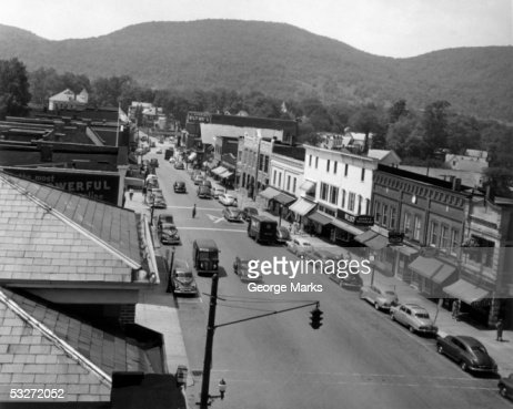 Main street with view of storefronts : Stock-Foto