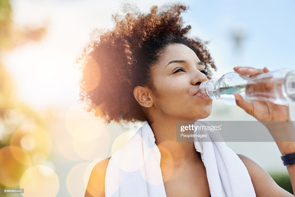 Maintaining good hydration also supports healthy weight loss : Stock Photo