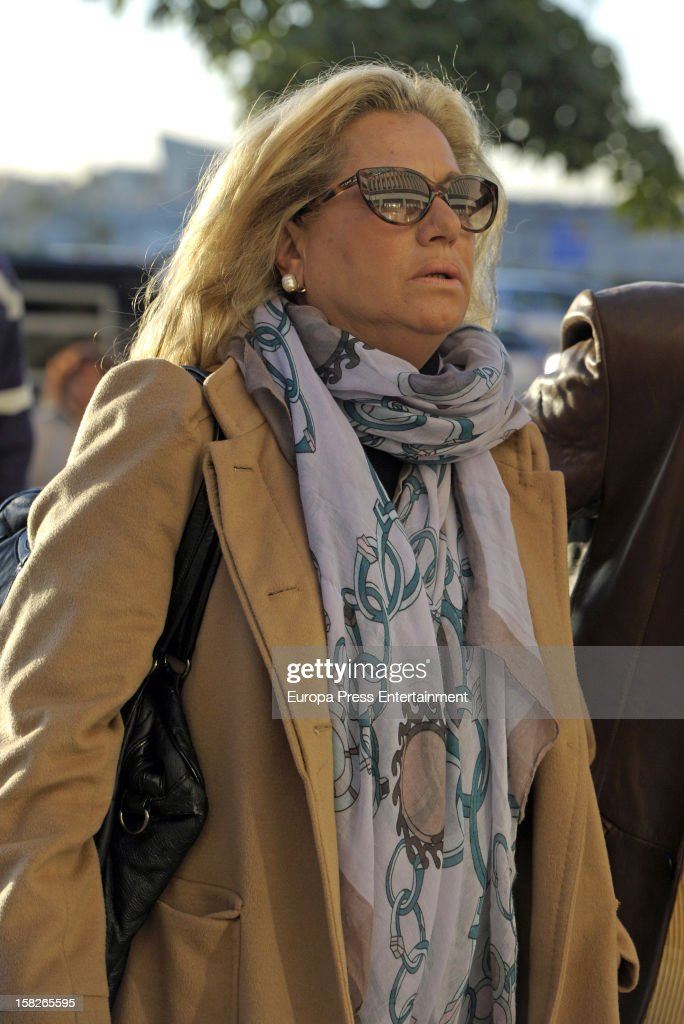 Maite Zaldivar arrives at Malaga court for the ongoing trial for alleged money-laundering and embezzlement on December 11, 2012 in Madrid, Spain. The 2006 scandal has put nearly 100 people on trial for alleged involvement in bribes to city officials by property developers for planning permissions.