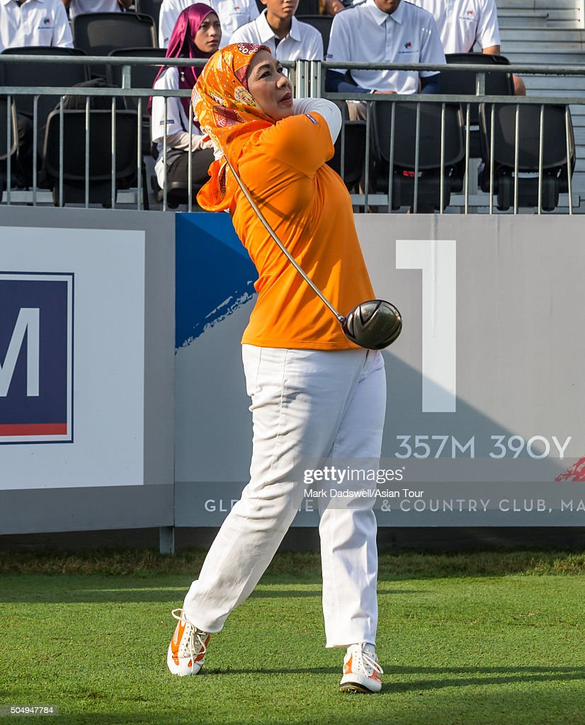 HH Majesty The Queen of Malaysia DYMM Tuanku Hajjah Haminah Hamidun hits off the first tee during the ProAm tournament ahead of the EurAsia Cup presented by DRB-HICOM at Glenmarie G&CC on January 14, 2016 in Kuala Lumpur, Malaysia.