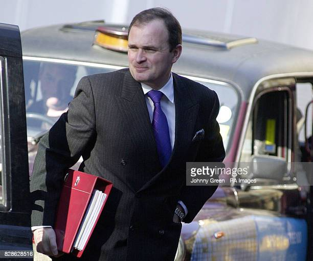 Major Charles Ingram arrives at Southwark Crown Court London Ingram and his wife Diana from Easterton Wiltshire together with a third person Tecwen...
