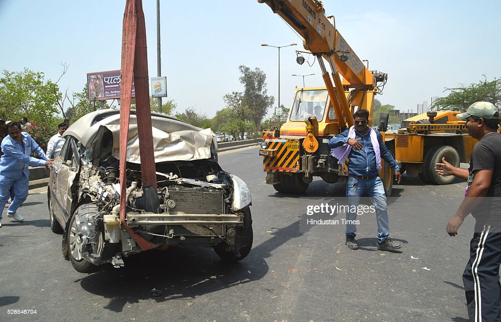 A major iron advertising unipole fell over the main GT Road near river Hindon, injuring four persons were injured and three vehicles were damaged, on May 5, 2016 in Ghaziabad, India. The four victims suffered head injuries and were rushed to the MMG district hospital. The police later shifted three of them to GTB Hospital in Delhi.