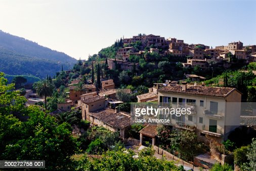 Majorca, hill top town in rural landscape : Photo