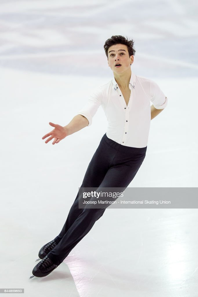 Макар Игнатов - Страница 2 Makar-ignatov-of-russia-competes-in-the-junior-men-free-skating-day-picture-id844859650