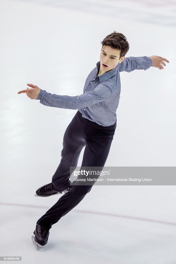 Макар Игнатов Makar-ignatov-of-russia-competes-in-the-junior-men-short-program-day-picture-id843806438