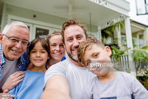 Make a good selfie of family