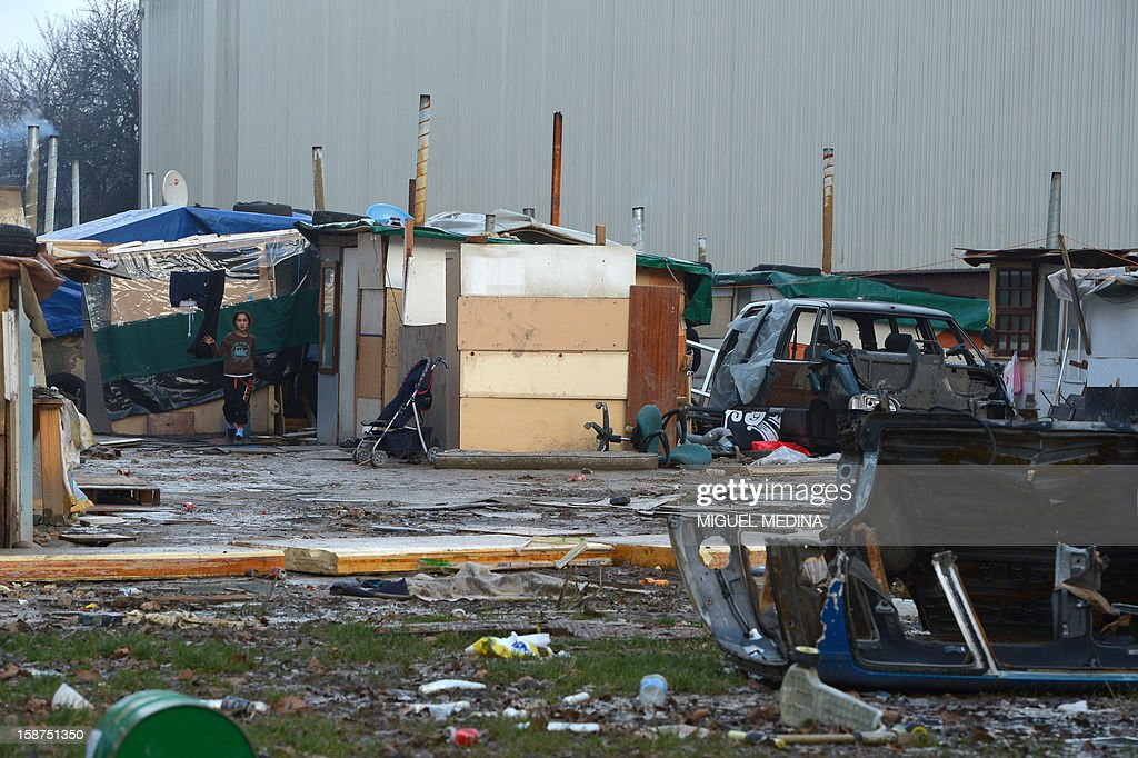Makeshift shelters are pictured in a slum area in Bezons, northern Paris, on December 27, 2012. AFP PHOTO MIGUEL MEDINA