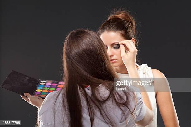 Makeup artist con modello