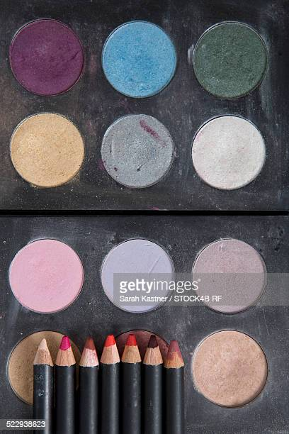 Make-up box and make-up sticks