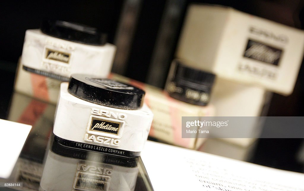 Makeup from the estate of actress Marilyn Monroe are seen during a press preview in Planet Hollywood May 16, 2005 in New York City. Over 200 personal and professional items will be offered in the June 4th sale.