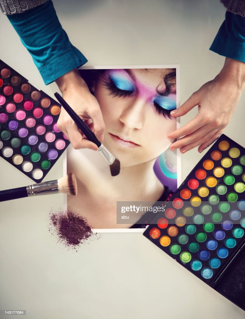 Makeup pallets, accesoriess and painted face