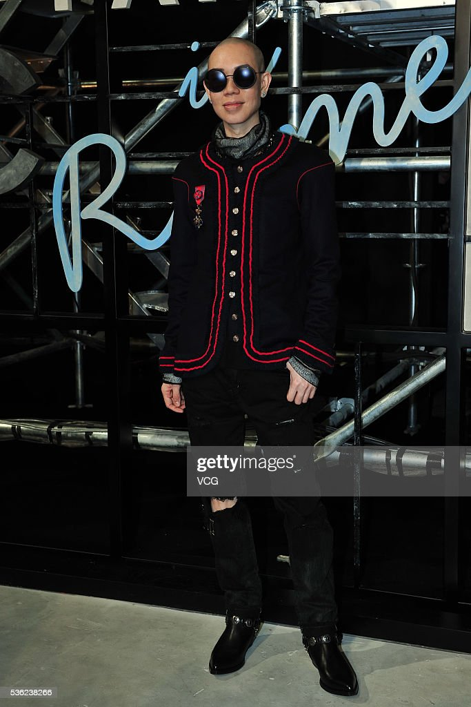 Makeup stylist ZING arrives at the red carpet of a press conference of Chanel's 'Paris in Rome 2015/16' Metiers d'Art Show on May 31, 2016 in Beijing, China.