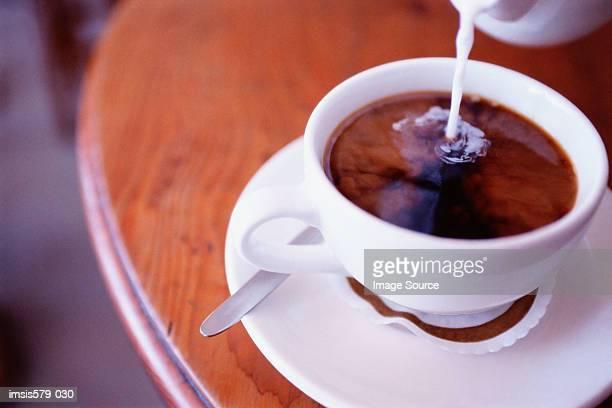 Making a white coffee