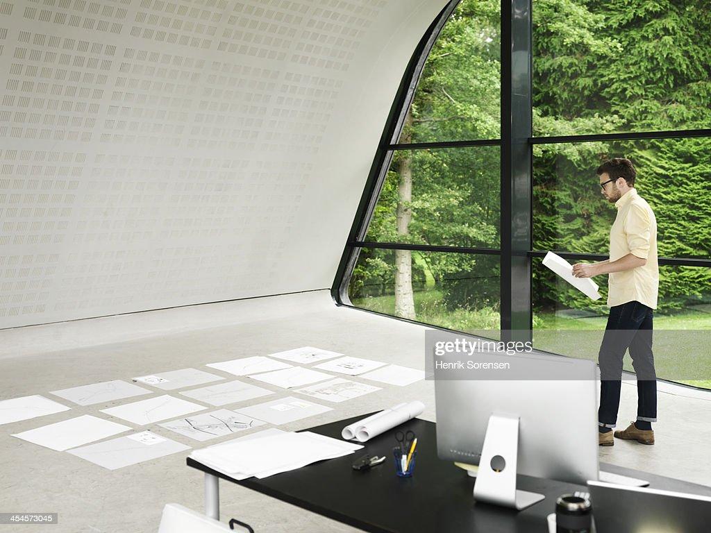 Making plans : Stock Photo
