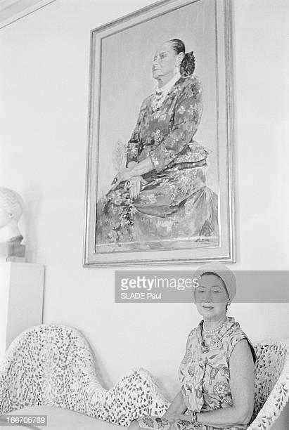 Mala Rubinstein And Her Beauty Institute New York 26 juillet 1966 Reportage sur Mala RUBINSTEIN et son Institut de beauté chez elle dans un salon...