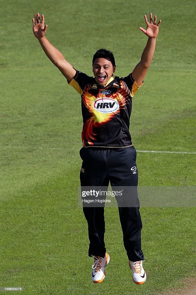 Malaesaili Tugaga of Wellington appeals successfully for the wicket of Lou Vincent of Auckland during the HRV Cup Twenty20 Preliminary Final between the Wellington Firebirds and the Auckland Aces at Basin Reserve on January 18, 2013 in Wellington, New Zealand.