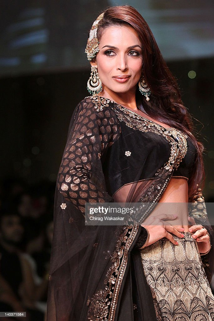 <a gi-track='captionPersonalityLinkClicked' href=/galleries/search?phrase=Malaika+Arora+Khan&family=editorial&specificpeople=884958 ng-click='$event.stopPropagation()'>Malaika Arora Khan</a> walks the runway of Vikram Phadnis show at Lakme Fashion Week Summer/Resort 2012 Day 1 at the Grand Hyatt on March 2, 2012 in Mumbai, In