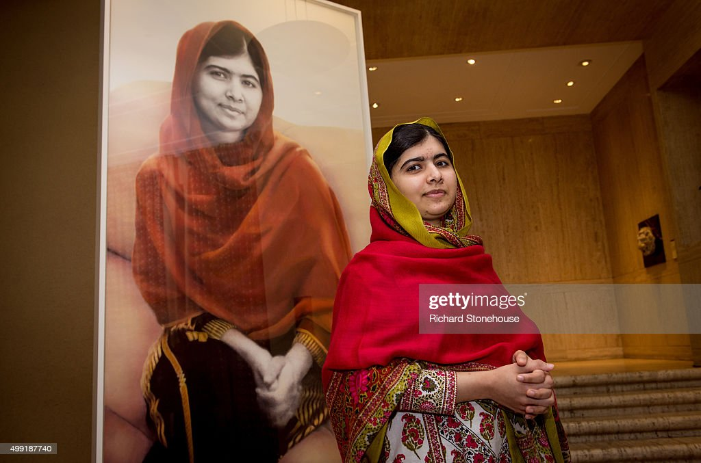 <a gi-track='captionPersonalityLinkClicked' href=/galleries/search?phrase=Malala+Yousafzai&family=editorial&specificpeople=5849423 ng-click='$event.stopPropagation()'>Malala Yousafzai</a> unveils her official portrait by artist Nasser Azam at Barbar Institute Of Fine Art on November 29, 2015 in Birmingham, England.
