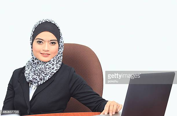 Malaysia, Indera Makhota, Portrait of young and attractive businesswoman