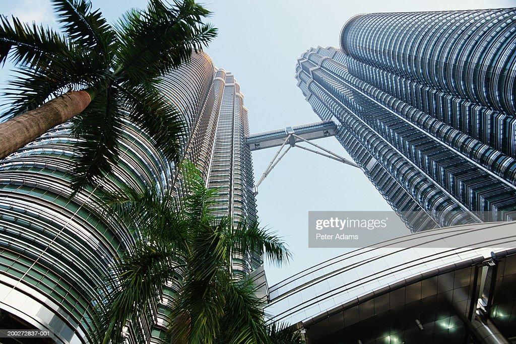 Malaysia, Kuala Lumpur, Petronas Towers, low angle view : Stock Photo