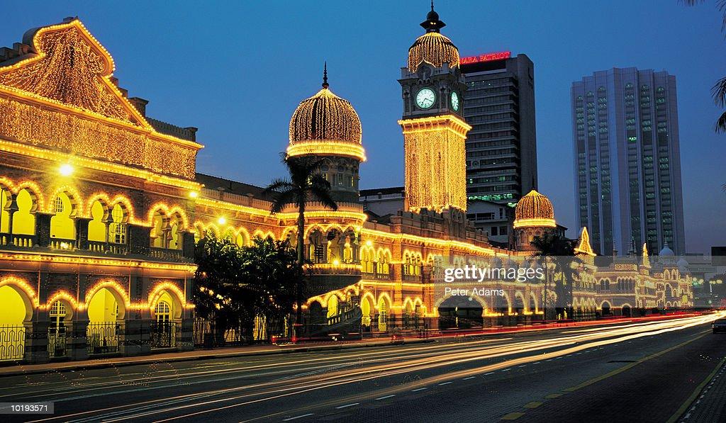 Malaysia, Kuala Lumpur, Sultan Abdul Samad Building at night