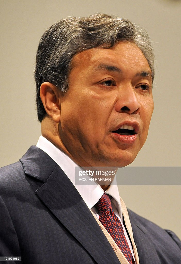 Malaysian Defence Minister Ahmad Zahid Hamidi speaks during the Asia-Pacific security forum in Singapore on June 6, 2010. Hamidi called for centres focusing on humanitarian assistance and disaster relief (HADR) in the larger Asia Pacific regions to be set up in addition to existing but smaller aid groupings.